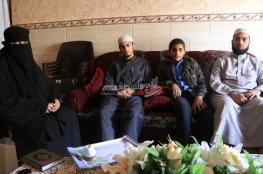 في غزة.. بيتٌ يضم 16 حافظًا للقرآن الكريم