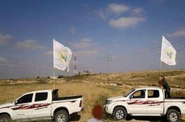 صورة وتعليق: سيارات القسام تؤمن شارع قرب الحدود