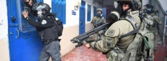 إصابة 90 أسيرًا باعتداء قوات الاحتلال على أسرى