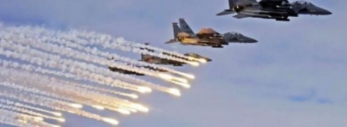 شنت طائرات الاحتلال الإسرائيلي، صباح اليوم الأربعاء، عدة غارات وهميّة في عرض بحرِ غزة. وسمع المواطنـون أصواتَ انفجارات عنيفة هزّت أرجاء متفرقة من قطاع غزة.  وتنفذ طائرات الاحتلال غارات وهميّة  متفرقـة على قطاع غزّة، في مشهدٍ يعيد ذكريات الحروب المدمّرة ال