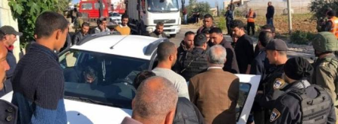 زوارق الاحتلال تطارد مراكب الصيادين الفلسطينيين في عرض بحر خانيونس جنوب قطاع غزة وسط إطلاق نار