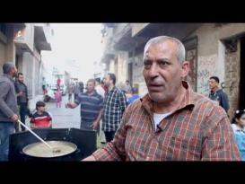 وليد الحطاب.. صاحب مبادرة رمضانية لمساعدة الفقراء بغزة