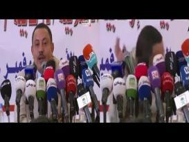 لحظة رشق وزير إعلام الحوثيين المنشق في السعودية