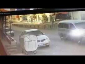 سباق بين حافلتين ينتهي بحادث مروع في الأردن