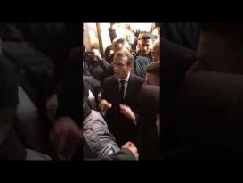 الرئيس الفرنسي ماكرون يطرد الشرطة الإسرائيلية من كنيسة بالقدس