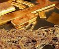 أسعار الذهب تصعد إلى مستوى قياسي غير مسبوق