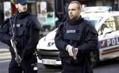 """4 إصابات بعملية طعن قرب مقر مجلة """"شارلي إبدو"""" في باريس"""