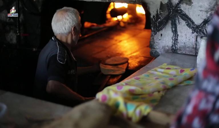 """""""الفرن البلدي"""" بغزة.. أصالة الطعم ورائحة الماضي الجميل"""
