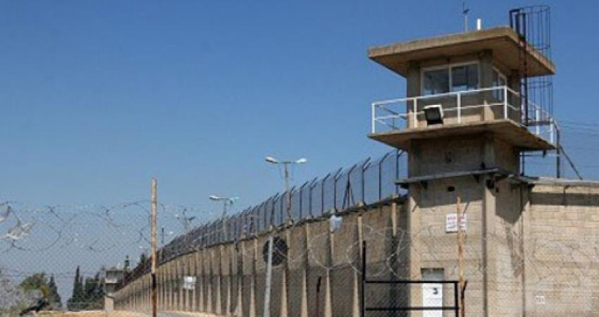 الاحتلال ينشأ أنظمة مراقبة داخل السجون