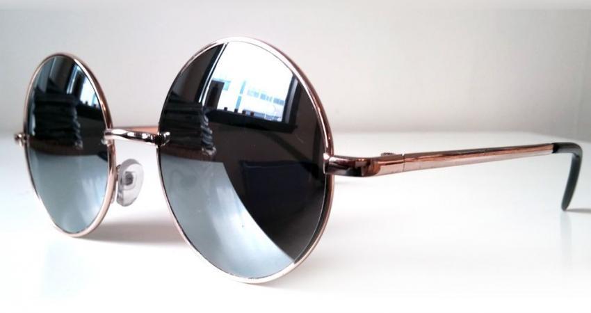 lennon-circle-gold-frame-mirror-34-2