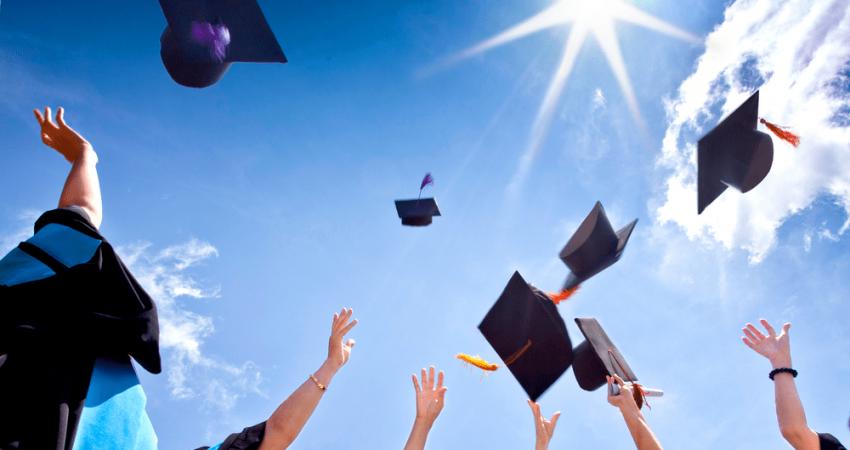 """""""التعليم العالي"""" تعلن مِنَحاً للدراسات العليا في الجزائر"""