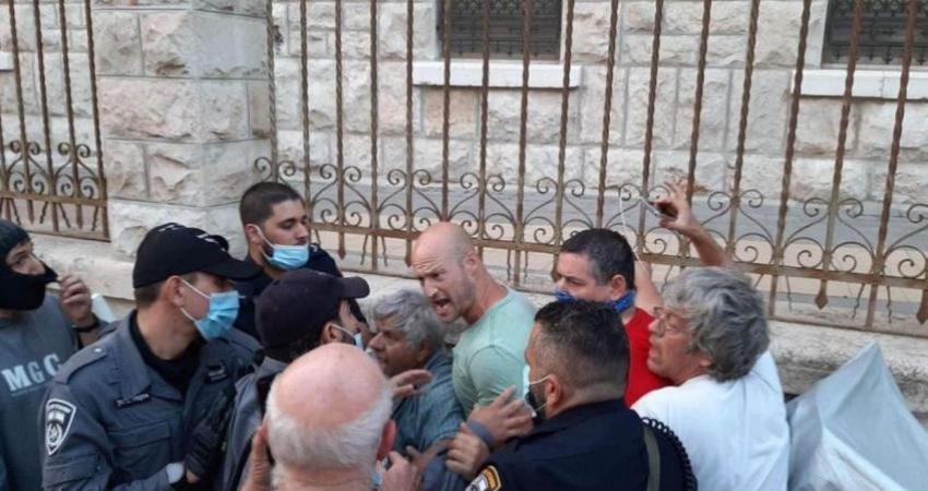 إصابات خلال إخلاء خيمة احتجاجية أمام منزل نتنياهو