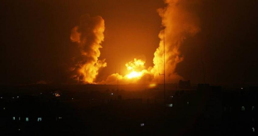 الاحتلال يستهدف أراض زراعية ومواقع للمقاومة في قطاع غزة