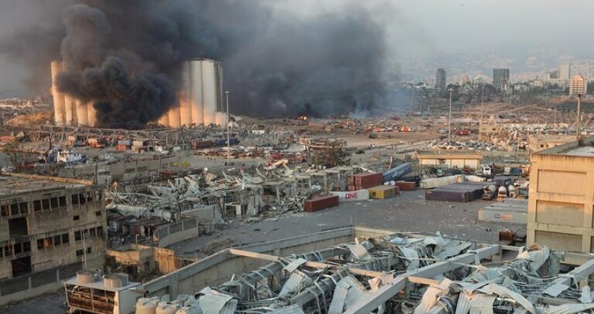 انفجار ضخم في مرفأ بيروت