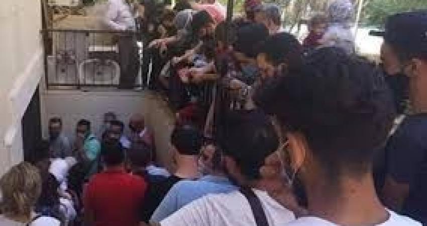 ازدحام شديد لمواطنين أمام مراكز إجراء اختبارات كورونا في دمشق