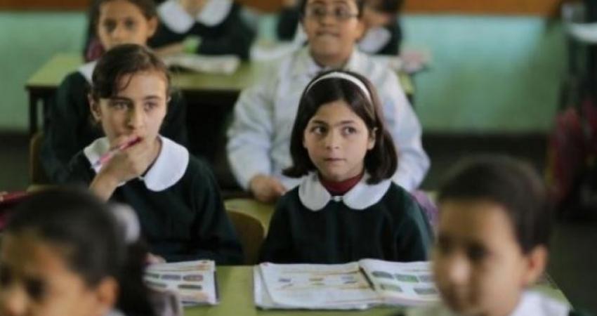 420 ألف طالب يعودون لمقاعدهم الدراسية بالضفة وفق إجراءات الوقاية