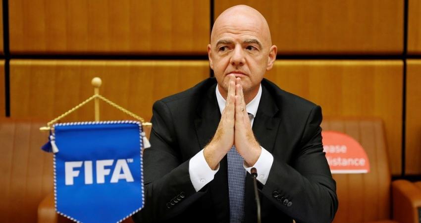 """إصابة رئيس الـ""""FIFA"""" بفيروس كورونا"""