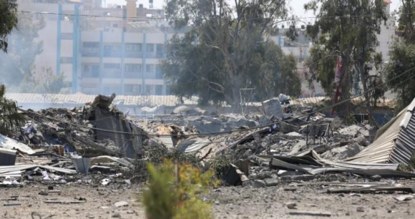 """""""الداخلية"""" بغزة تنشر صوراً للدمار الذي لحق بمقار أمنية وشرطية خلال العدوان"""