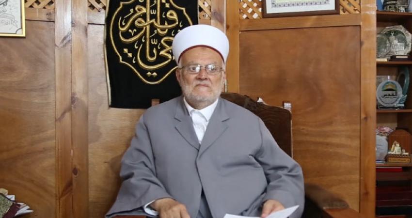 حماس تدين قرار إبعاد الشيخ عكرمة صبري عن الأقصى