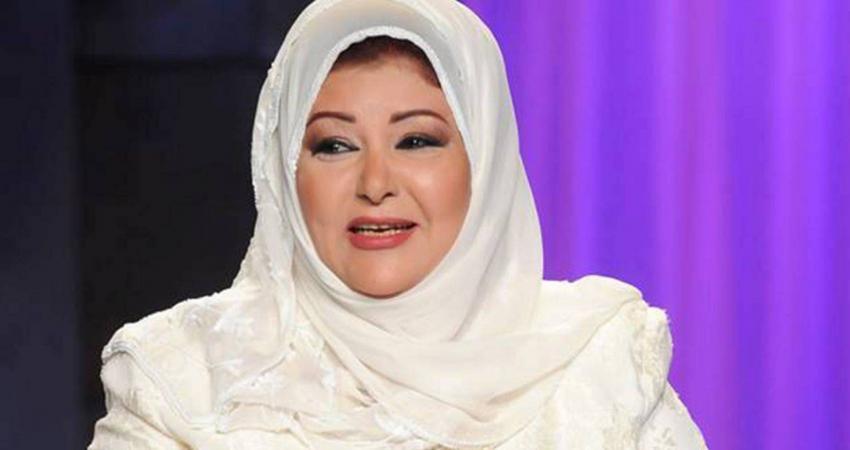 ممثلة مصرية تنتقد زميلتين لها بسبب خلعهما الحجاب