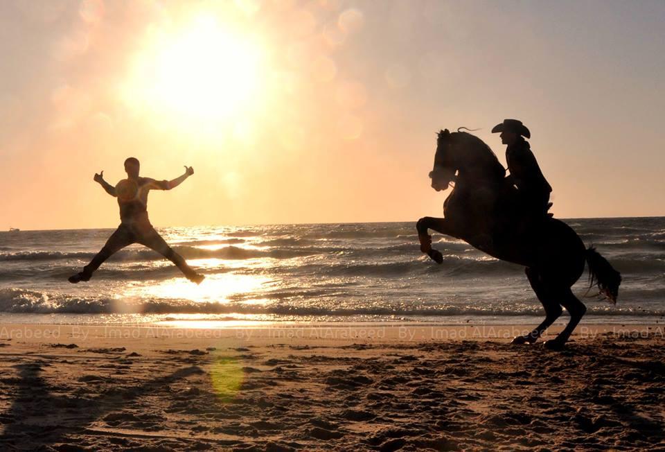 Tropical Island Beach Ambience Sound: صور: شاطئ بحر غزة مساء أمس
