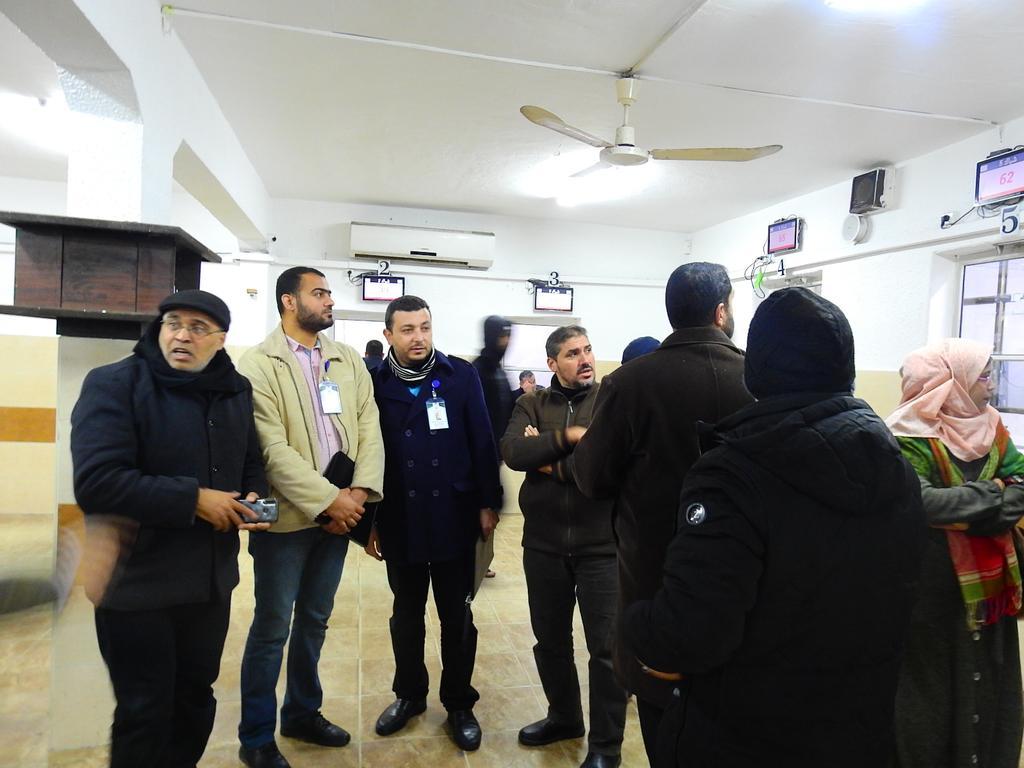 لجنة تقييم أفضل مركز خدمة حكومي تزور ترخيص غزة