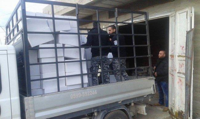 الخليل: ضبط 11 ألف علبة محارم معطّرة غير صالحة للاستخدام الآدمي