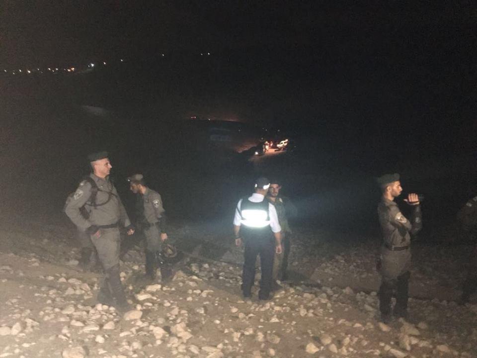 قوات الاحتلال تقتحم الخان الأحمر وتهدم البيوت المتنقلة