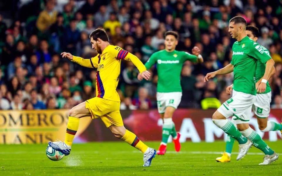 برشلونة يفلت بانتصار صعب من عرين بيتيس
