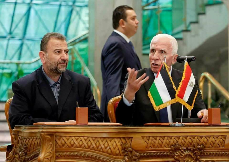 العاروري والأحمد: اتفقنا على تمكين الحكومة وحل قضية الموظفين