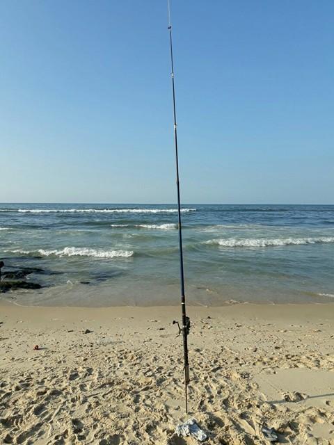 صنارة الصيد وسيلة لتفريغ كبت خريجي غزة