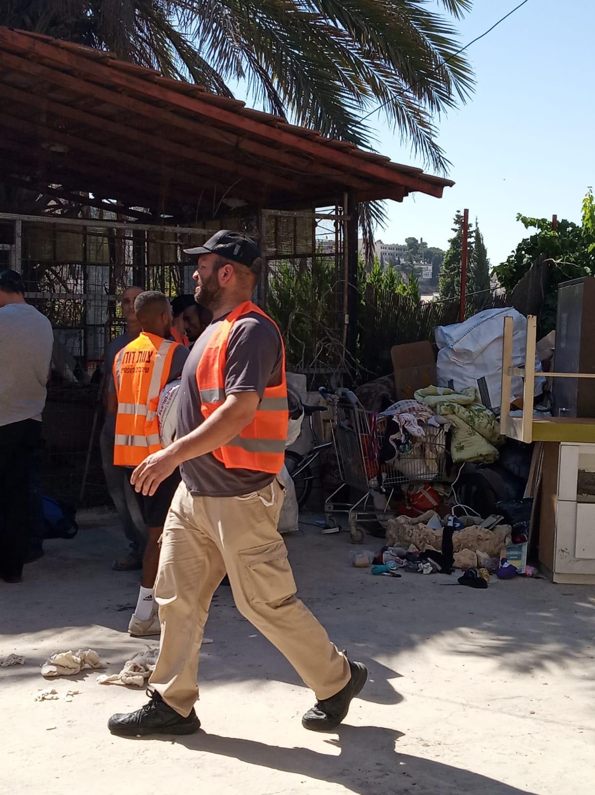 الاحتلال يخلي منزل عائلة مقدسية لصالح مستوطنين في سلوان
