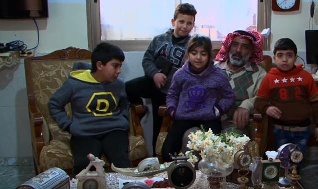 فلسطيني شغوف بجمع المقتنيات النادرة منذ 20 عاماً