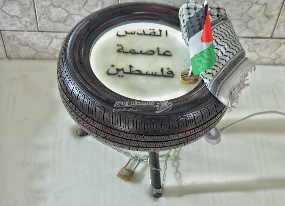 شاب فلسطيني يحول إطارات المركبات لتحف فنية
