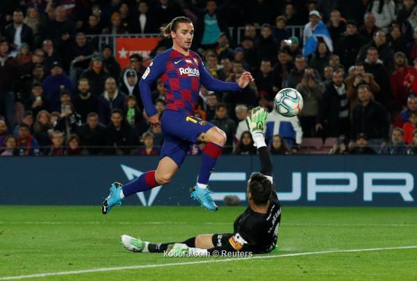ميسي يعيد برشلونة للصدارة على أنقاض مايوركا