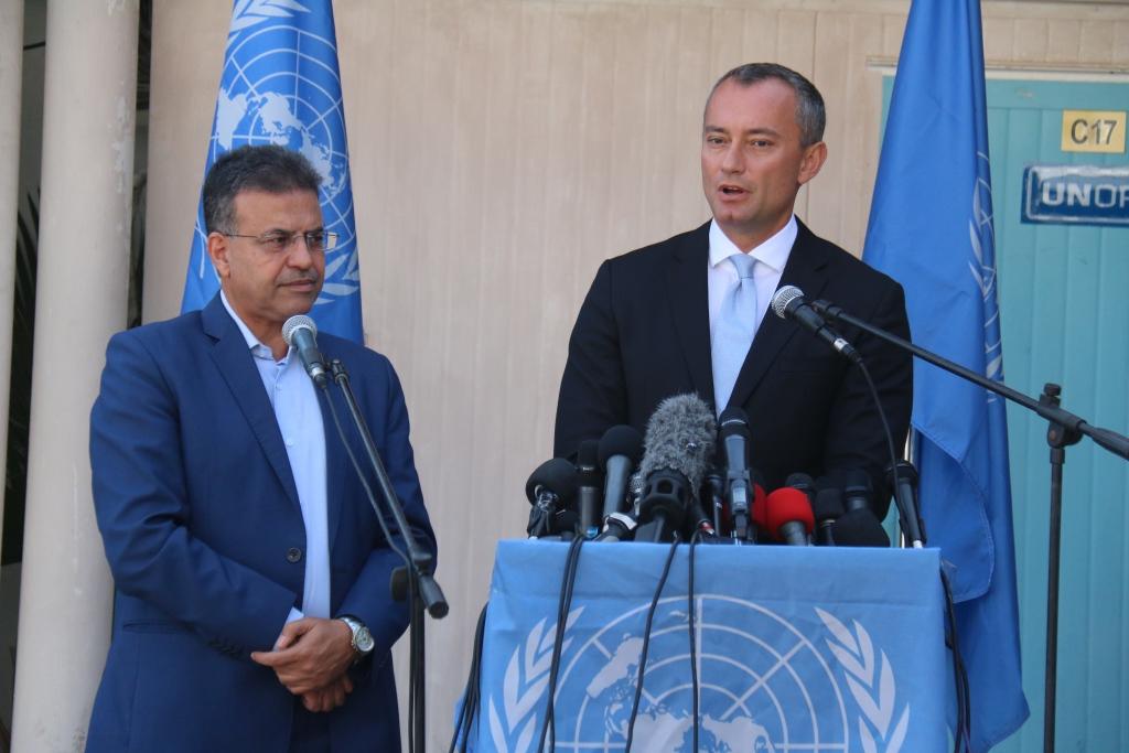 ملادينوف: ناقشنا مع عباس خطة لتمكين حكومة الوفاق في غزة