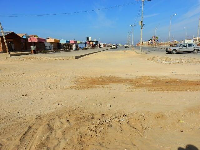 الشروع باستكمال المرحلة الثانية من تبليط الشارع الجنوبي في الميناء