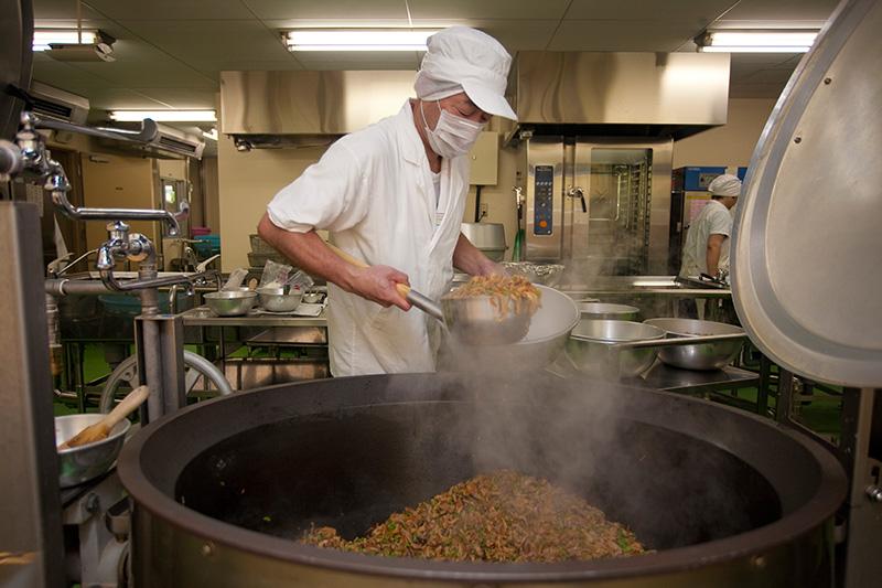 تعرف على وجبات الطعام في المدارس اليابانية