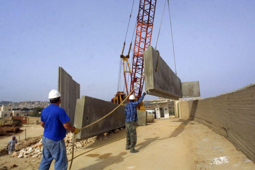 أطول جدار في العالم يبنيه الاحتلال حول قطاع غزة