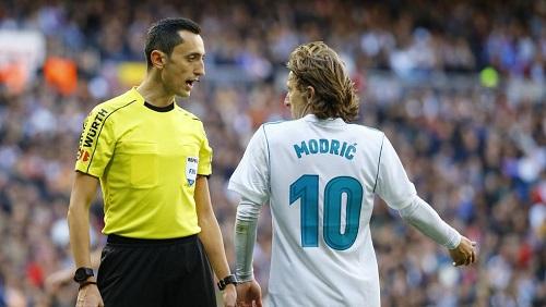 سجل أحمر لريال مدريد مع حكم الكلاسيكو