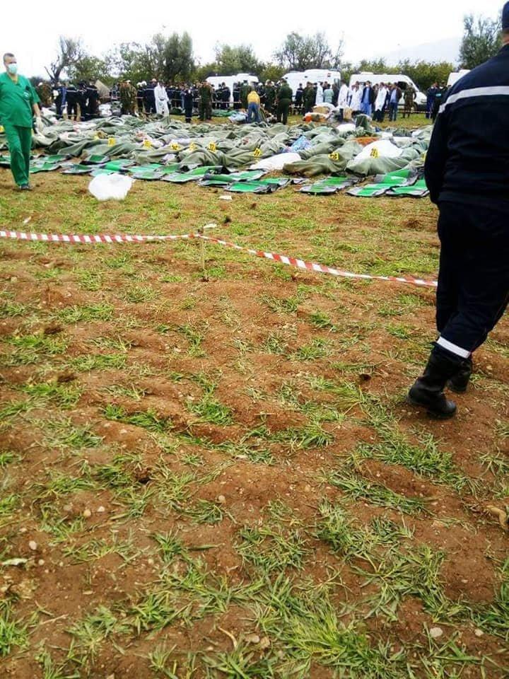 عدد قتلى الطائرة الجزائرية يصل إلى 257 شخصا