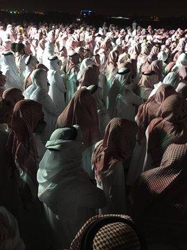 حشود كبيرة تشيع جثمان داعية سعودي توفي في السجن