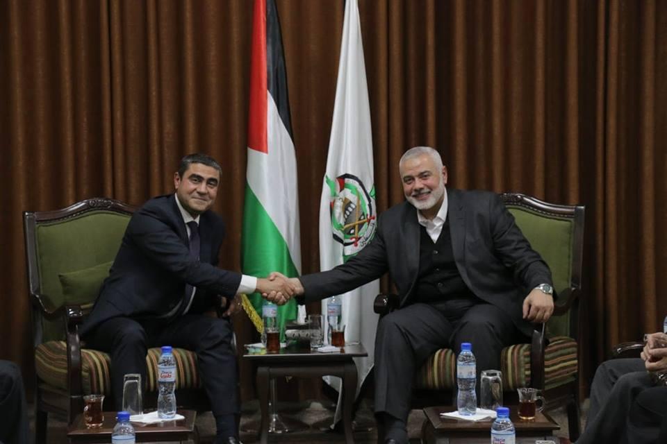 هنية يلتقي بوفد المخابرات المصرية بغزة
