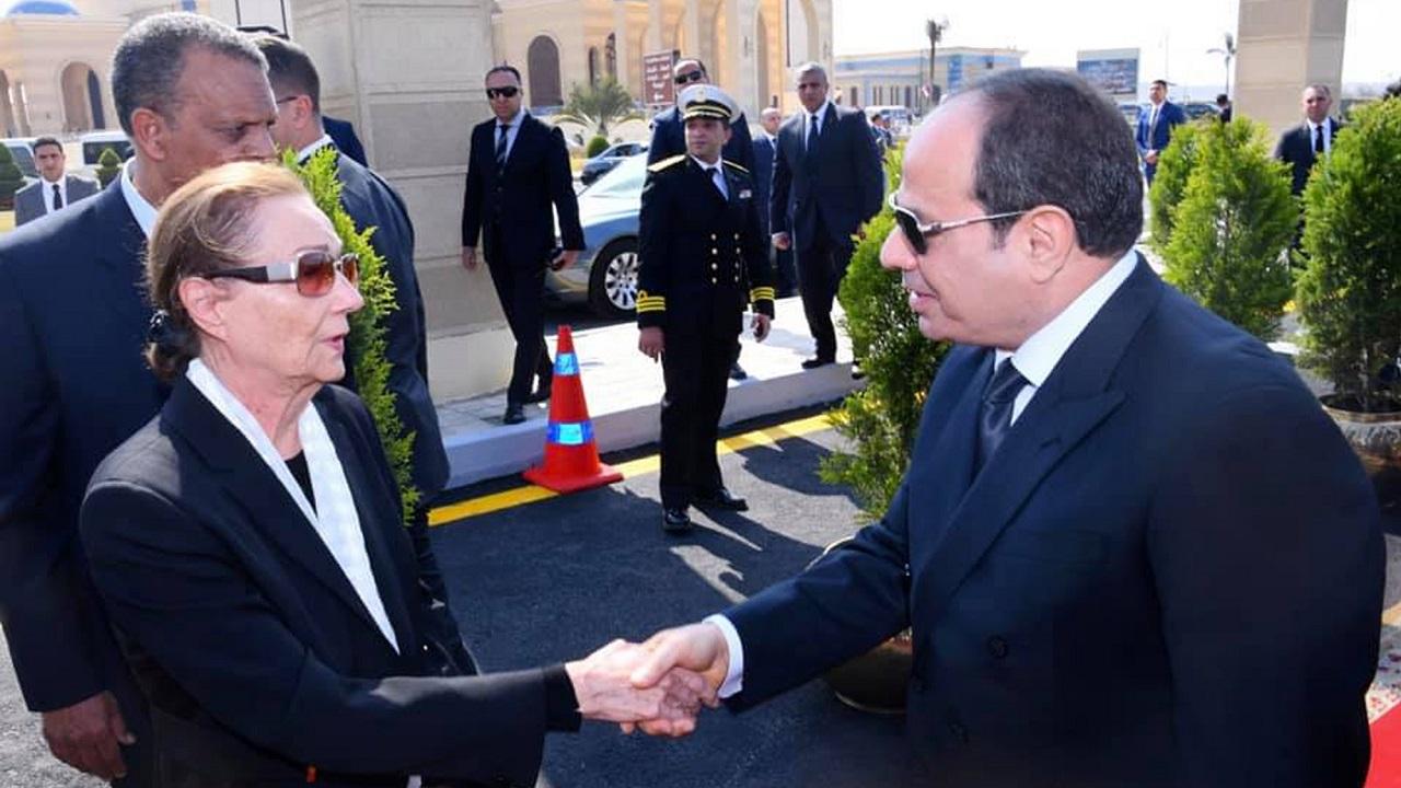 السيسي يعزي أسرة الرئيس الأسبق الراحل مبارك