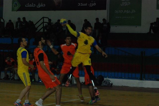 بالصور: فوز للصلاح وانسحاب خدمات النصيرات في دوري جوال لكرة اليد