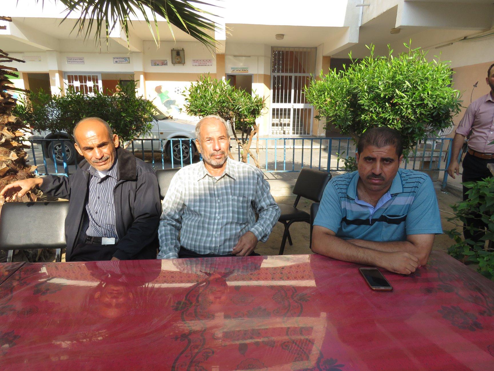 مديرية شمال غزة تكرّم المربّي عادل عوض بنهاية خدمته