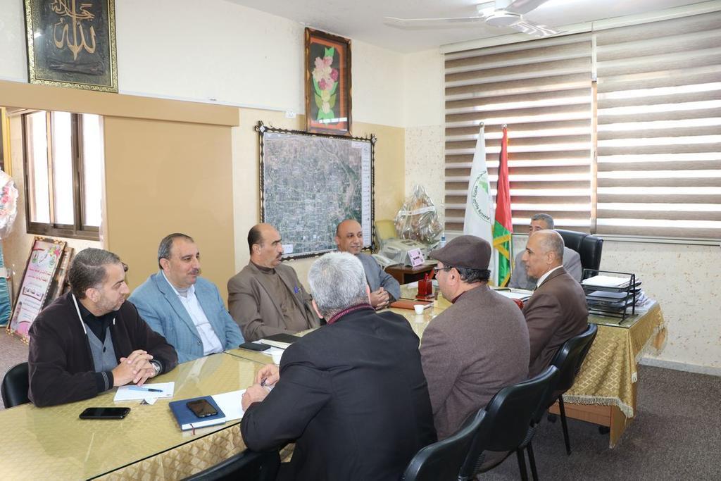تربية الوسطى تبحث التعاون المشترك مع جامعة القدس المفتوحة بالوسطى
