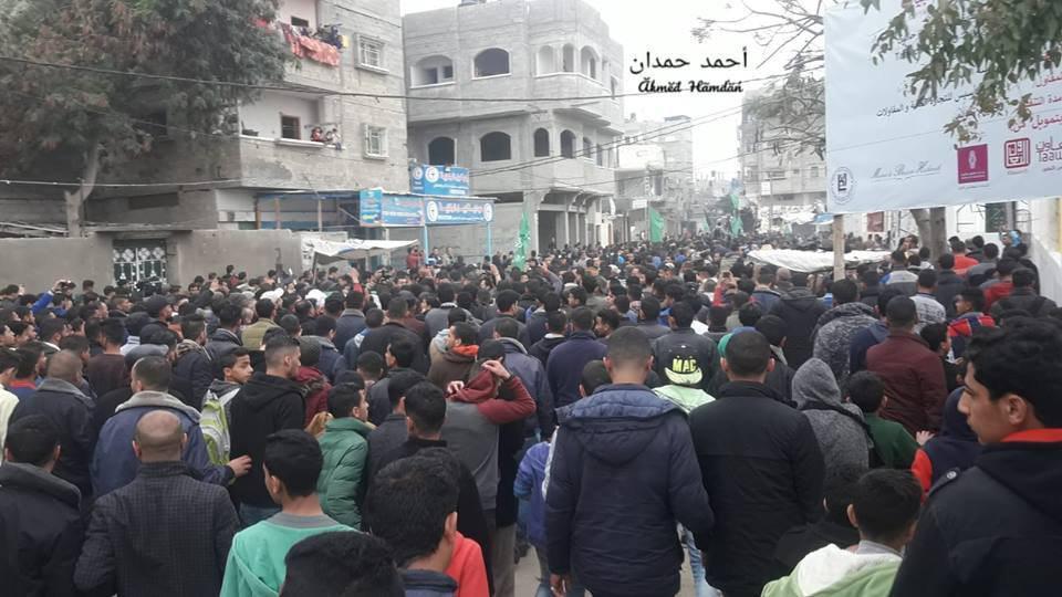 جماهير غزة تشيع جثمان الشهيد حبيب المصري