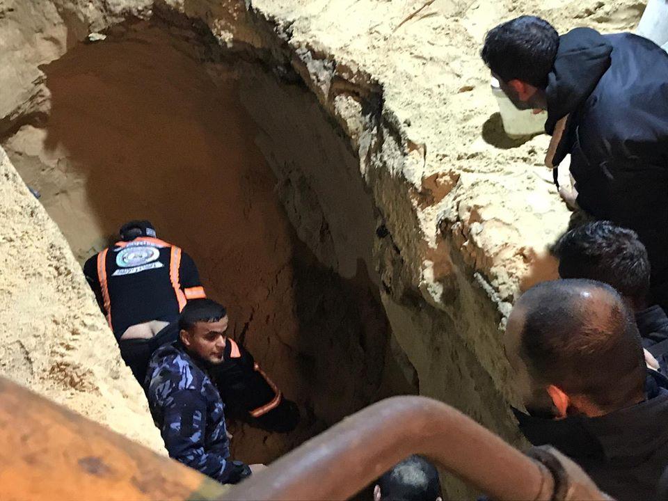 وفاة مواطن جراء انهيار بئر صرف صحي جنوب القطاع