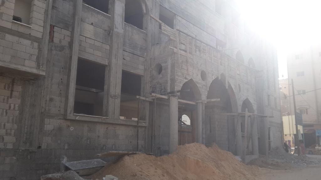 الاحتلال يحرم مسجد الفاروق المدمر من إكمال إعماره